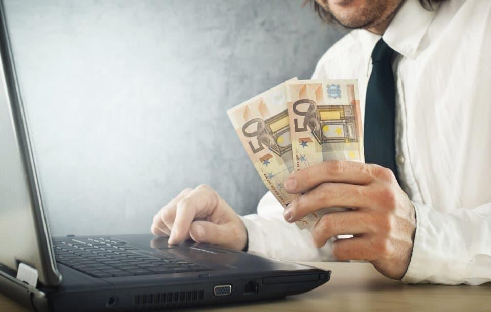 Як заробити в інтернеті: поради для новачків