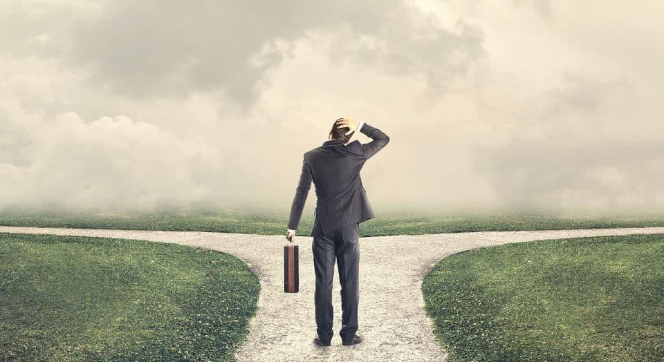 Що обрати – улюблену справа або високооплачувану роботу?